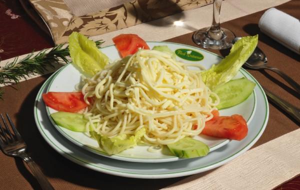 Spagetti kaşarlı